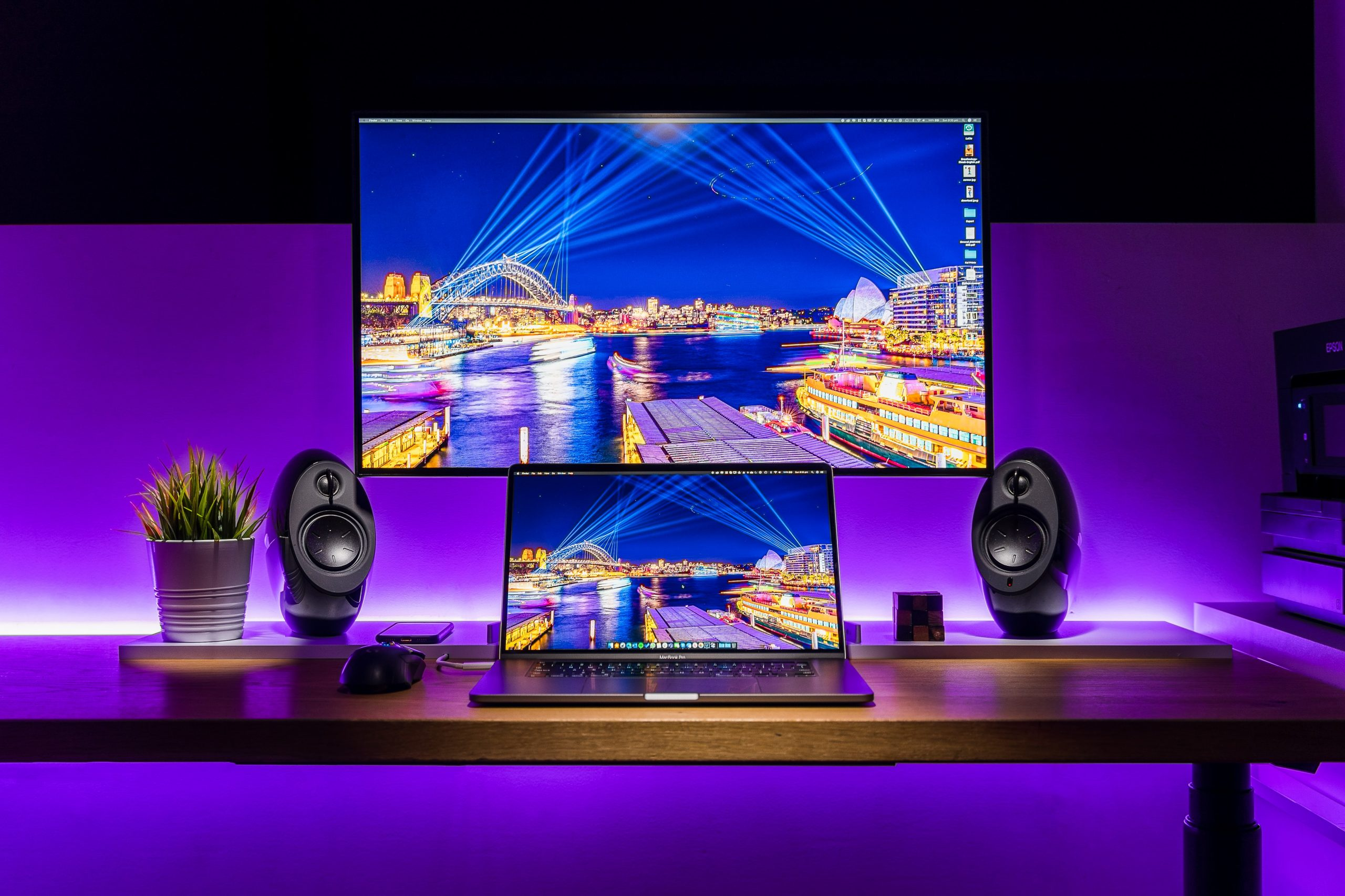 How to set up speakers for PC's